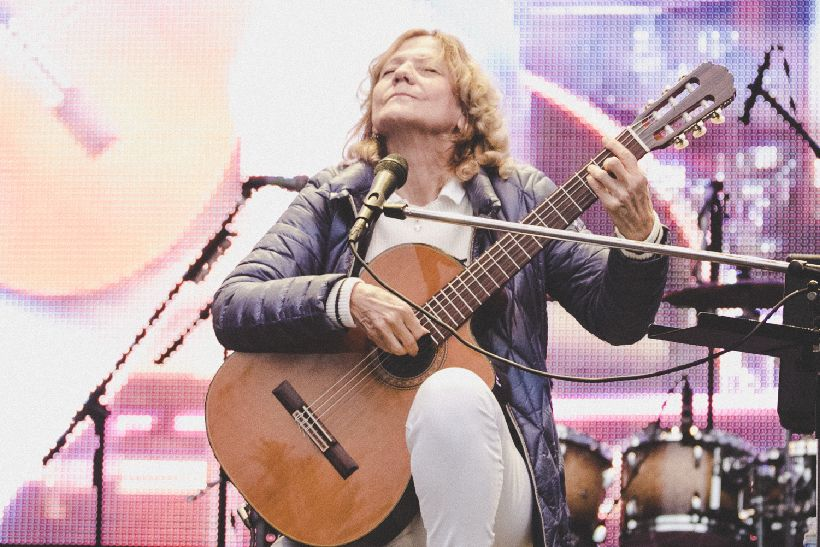 4d85889a7 Po troch rokoch sa na Lodenicu vrátila Lenka Filipová. Speváčka,  skladateľka a gitaristka zaspievala hity:Prý se tomu říká láska, Za všechno  může čas, ...